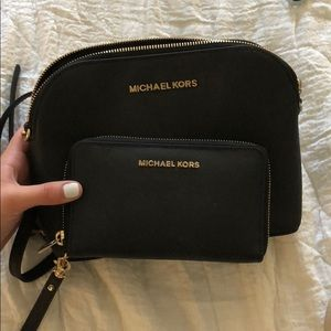 Michael Kors crossbody w/matching wallet
